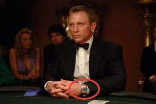 Джеймс Бонд не бегает перед камерой в фильме и не кричит, что лучшие часы Omega. Он просто носит их в фильме и случайно-специально часто показывает в кадре.